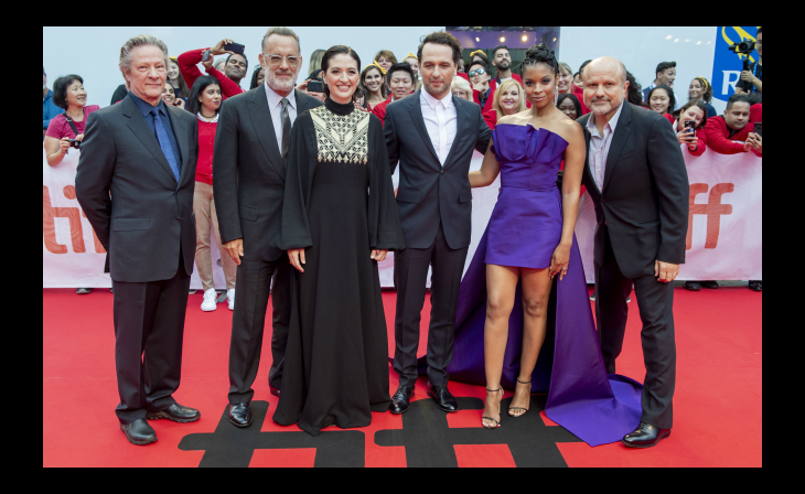 Tom Hanks Unveils His Mr Rogers At Toronto Film Festival Shootonline