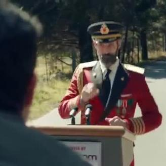 "Caviar's Ruben Fleischer Directs ""Q&A"" With Captain Obvious For Hotels.com, CP+B"